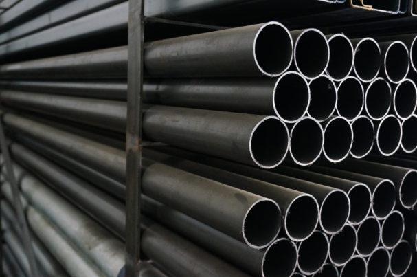 PE0721_black-steel-pipe.jpg