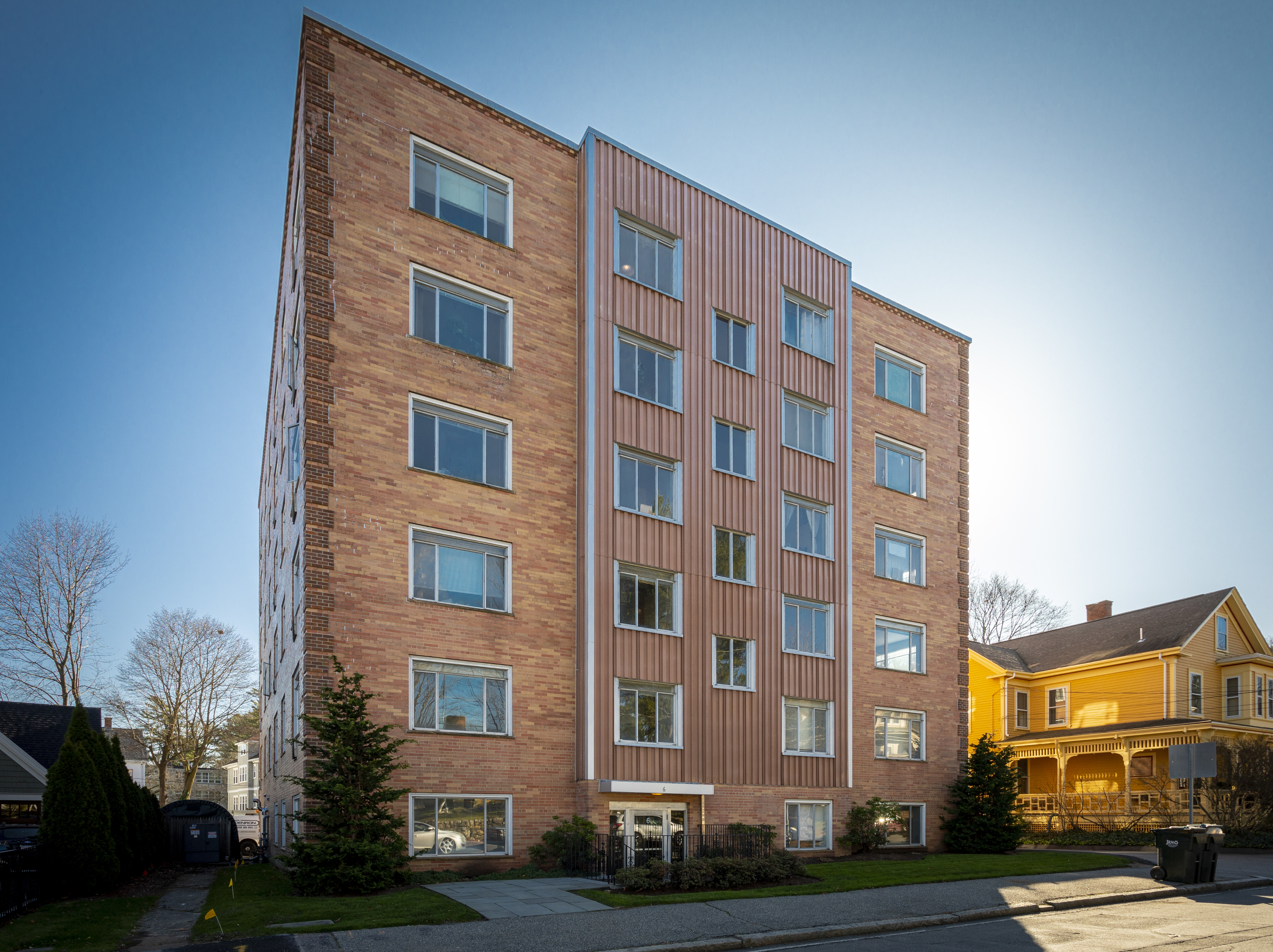PE0821_Arlington-MA-apartment-building.jpg