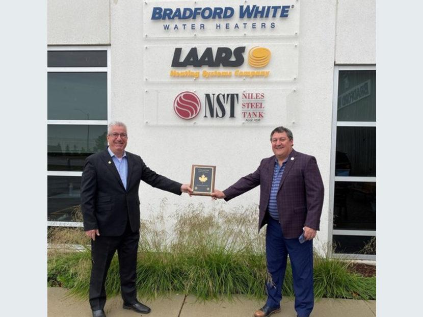 Bradford White Canada Wins Inaugural CIPH Golden Leaf Award