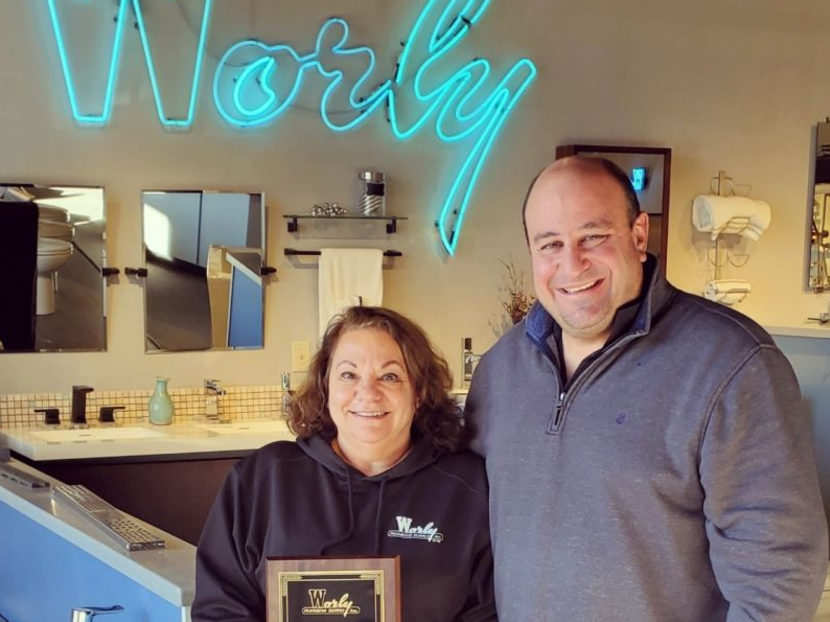 Worly Plumbing Supply Controller Judee Tompkins Receives 2020 Worly Award of Excellence 2
