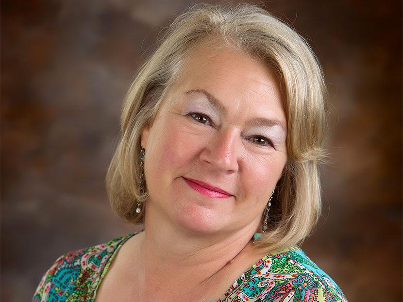 AD Names Linda Hoff Director, Decorative Brands Division