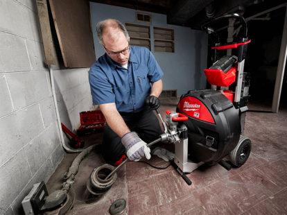 Milwaukee tool unveils mx fuel line