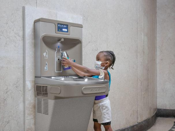 Chicago mayor lori lightfoot announces elkay donation of 101 ezh2o bottle filling stations
