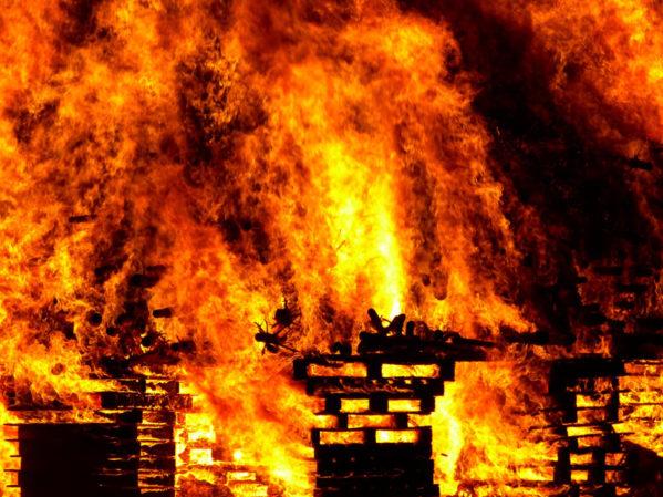 pe02_fire